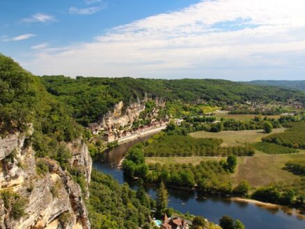 take in magnificent views of the Dordogne when cycling in the region