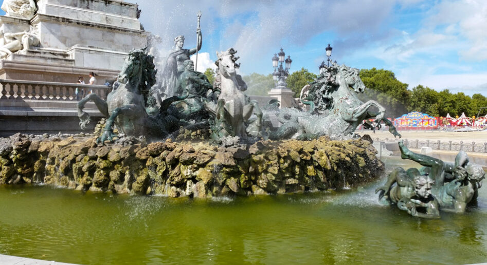 The fountain at the Monument aux Girondins