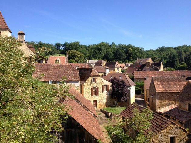 A picturesque Dordogne village located next to the Cycling Greenway