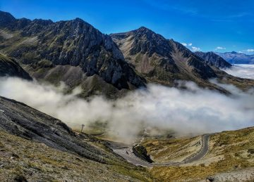Clouds in the valley on the way to the top of Col du Tourmalet