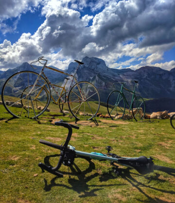 Large bike sculptures at the top of the Col d'Aubisque